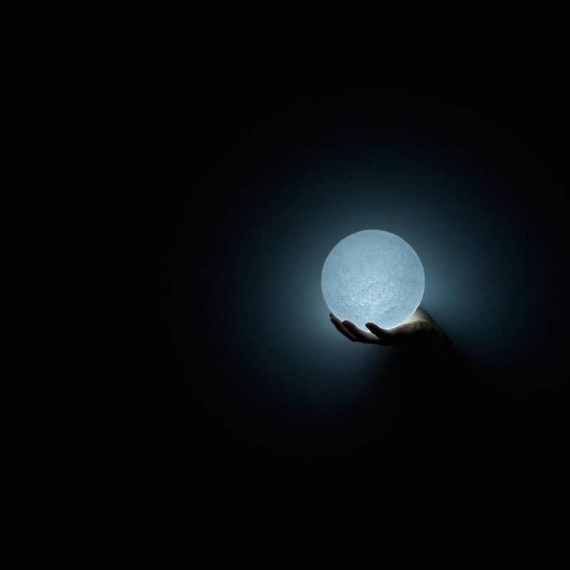 The_Moon_Lamp_Nosinger_01
