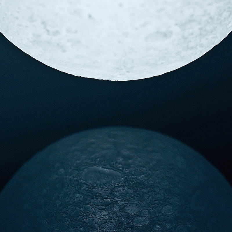 The_Moon_Lamp_Nosinger_05